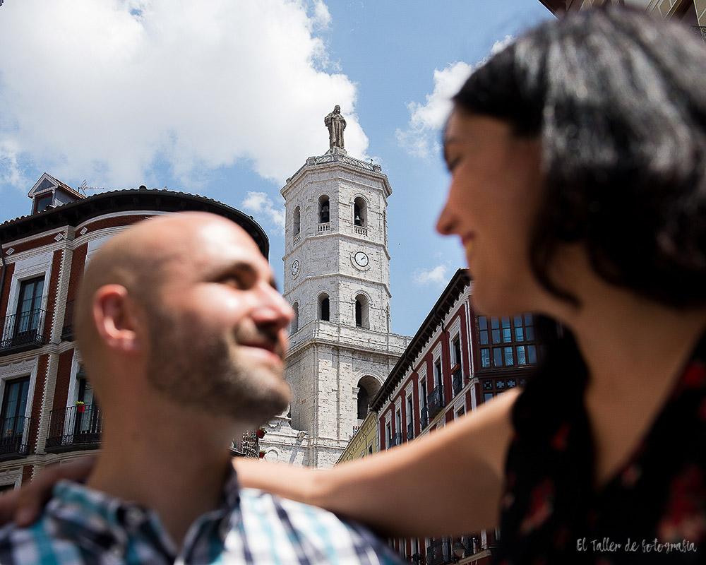 Preboda diferente por las calles de Valladolid en blanco y negro