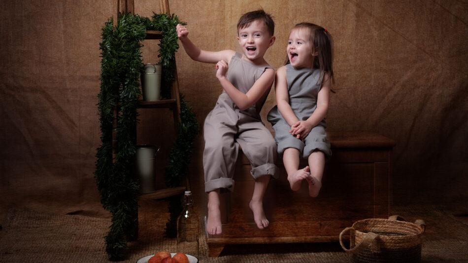 Fotos de navidad de dos hermanos